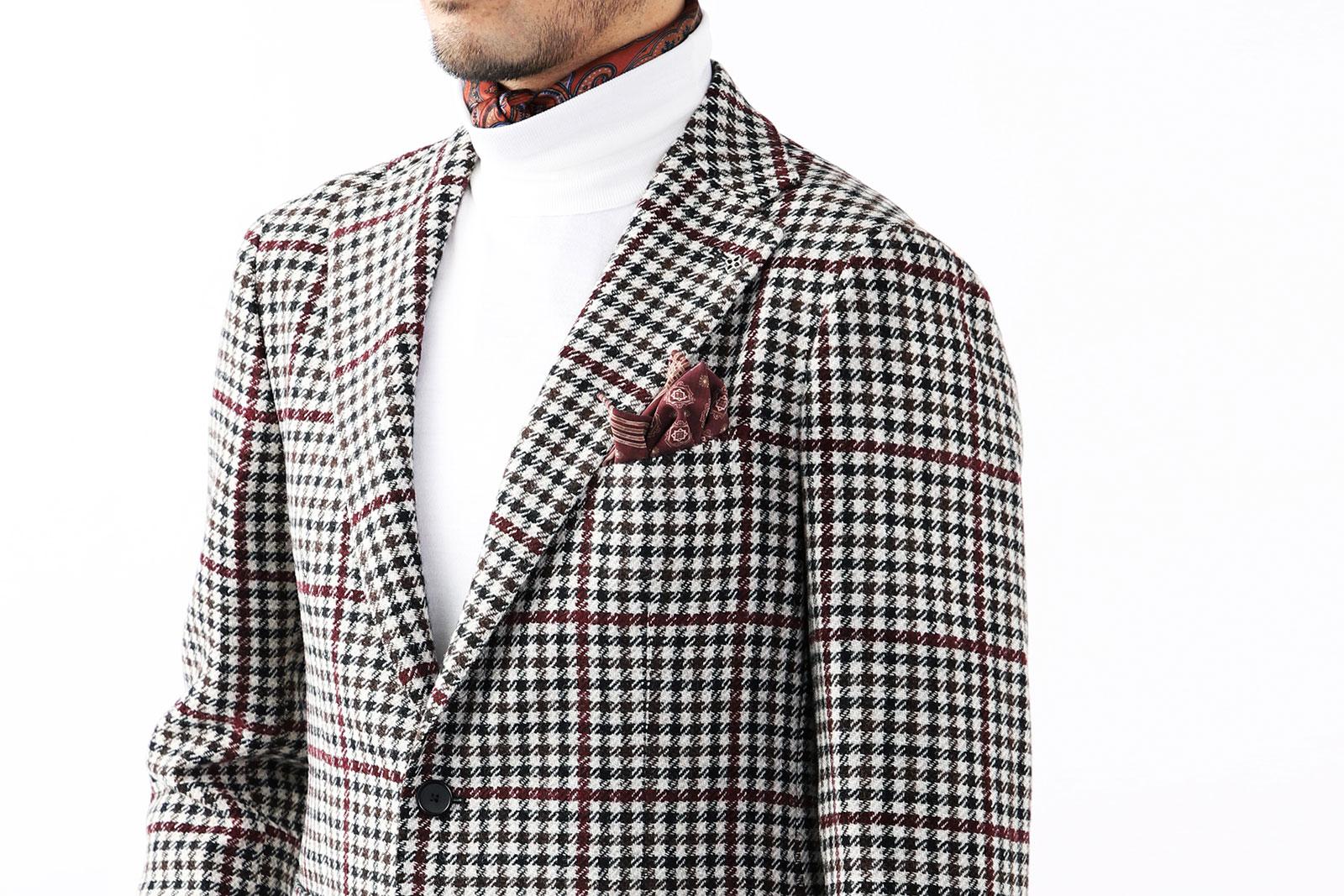 ポケットチーフはジャケットから色を拾ってみよう